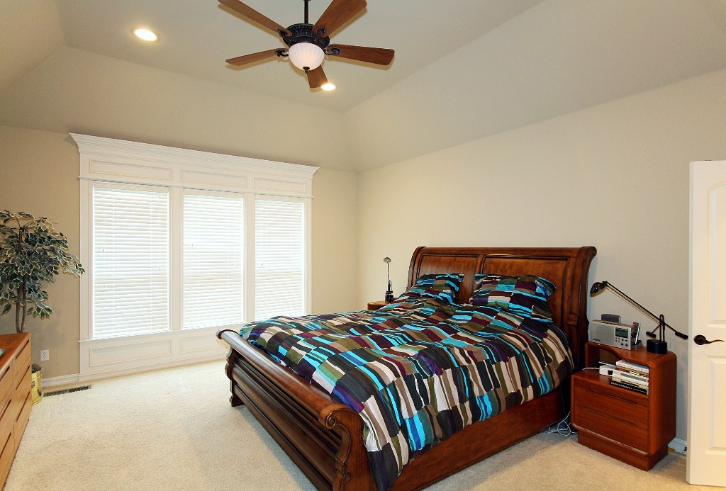 Master bedroom in 4 bedroom tulsa home for sale in jenks schools