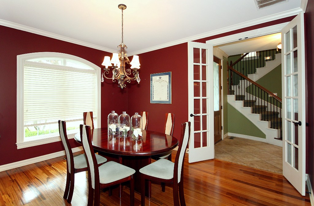 formal dining in tulsa home for sale in legacy park