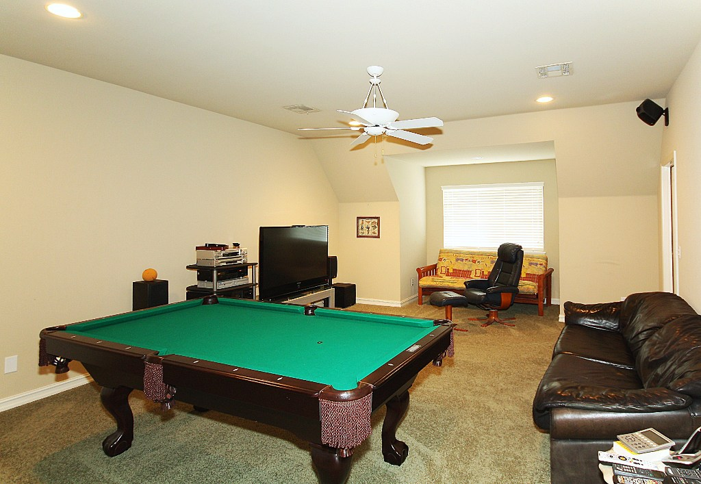 gameroom in 4 bedroom tulsa home for sale in jenks schools