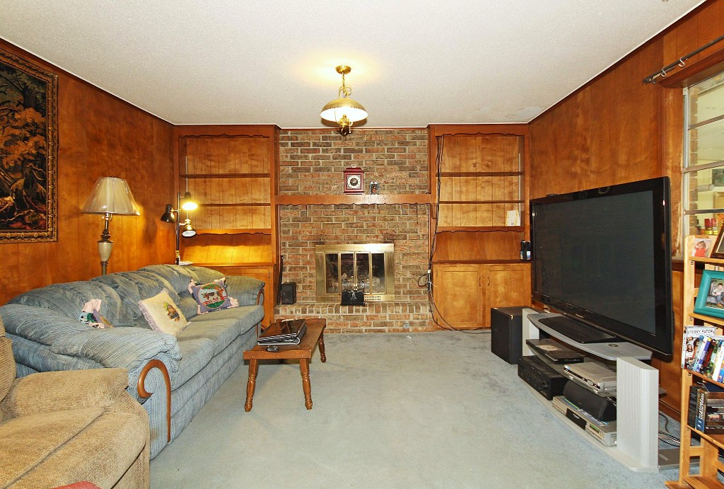 3 Bedroom Brick Collinsville Home For Sale On 2 5 Acres
