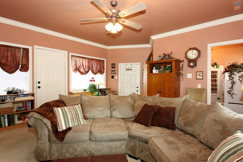 Family room in Tulsa home for sale near TU