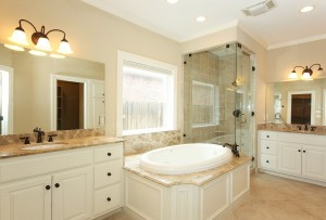 Master bathroom without home staging
