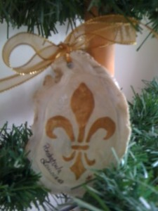 Marie Knight oyster ornament