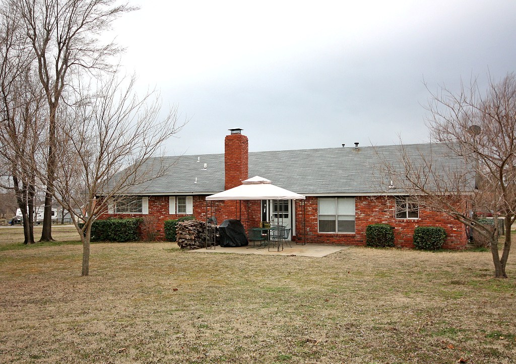 brick home on one acre