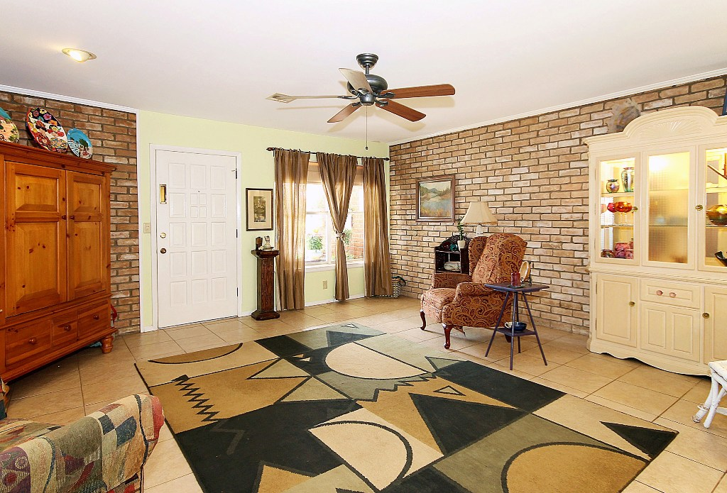 Tulsa Condo For Sale Near Riverparks And Brookside