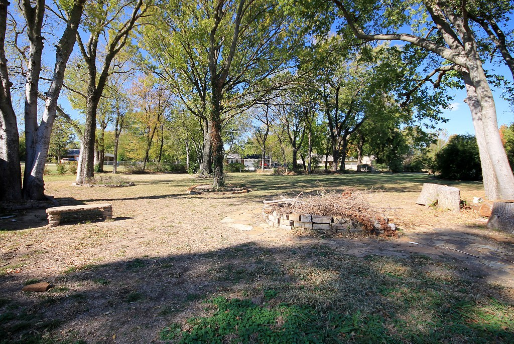 tulsa home for sale with trees and wooded lot