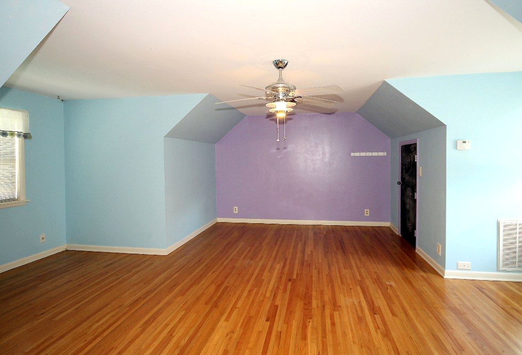 4th bedroom in tulsa home for sale with 4-car garage