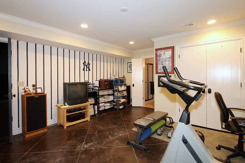 exercise room or bedroom