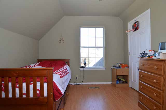 image of upstairs bedroom