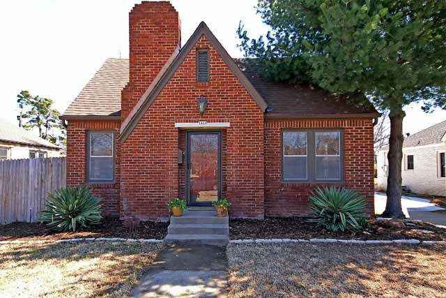 Darling Midtown Tulsa Brick Bungalow Near TU And Cherry Street