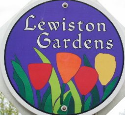Lewiston Gardens neighborhood sign