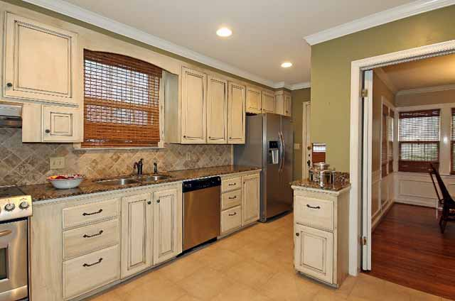 Colored Kitchen Cabinets With Ideas Cream Stainless Steel Appliances Updated 3 Bed Florence