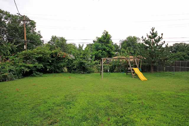yard back swing set