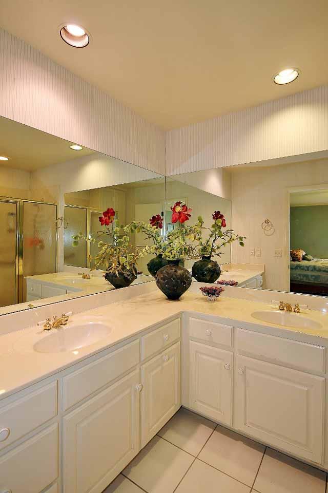 13 master bath double sinks