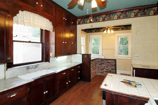 kitchen in craftsman bungalow midtown tulsa