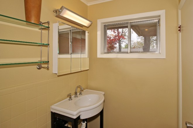 17 master bath vanity