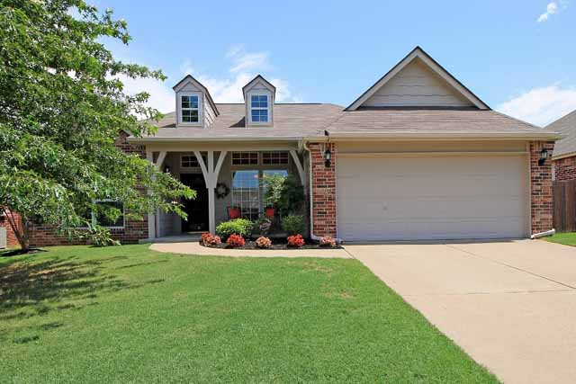 front of home for sale - Jenks West schools