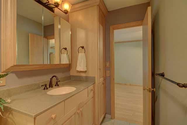 Pullman bath between bedrooms