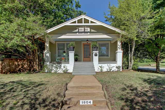 vintage craftsman bungalow in swan lake midtown tulsa