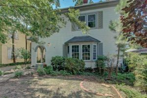 home for sale in Swan Lake midtown Tulsa